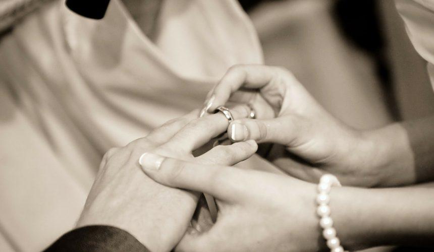 Quels sont les 2 sens du sacrement de mariage ?