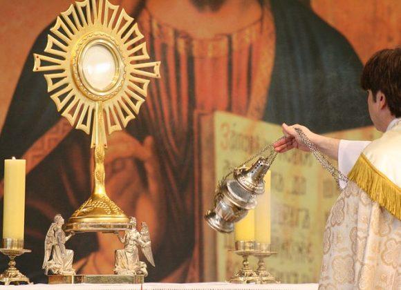 Pourquoi vivre l'adoration eucharistique ?